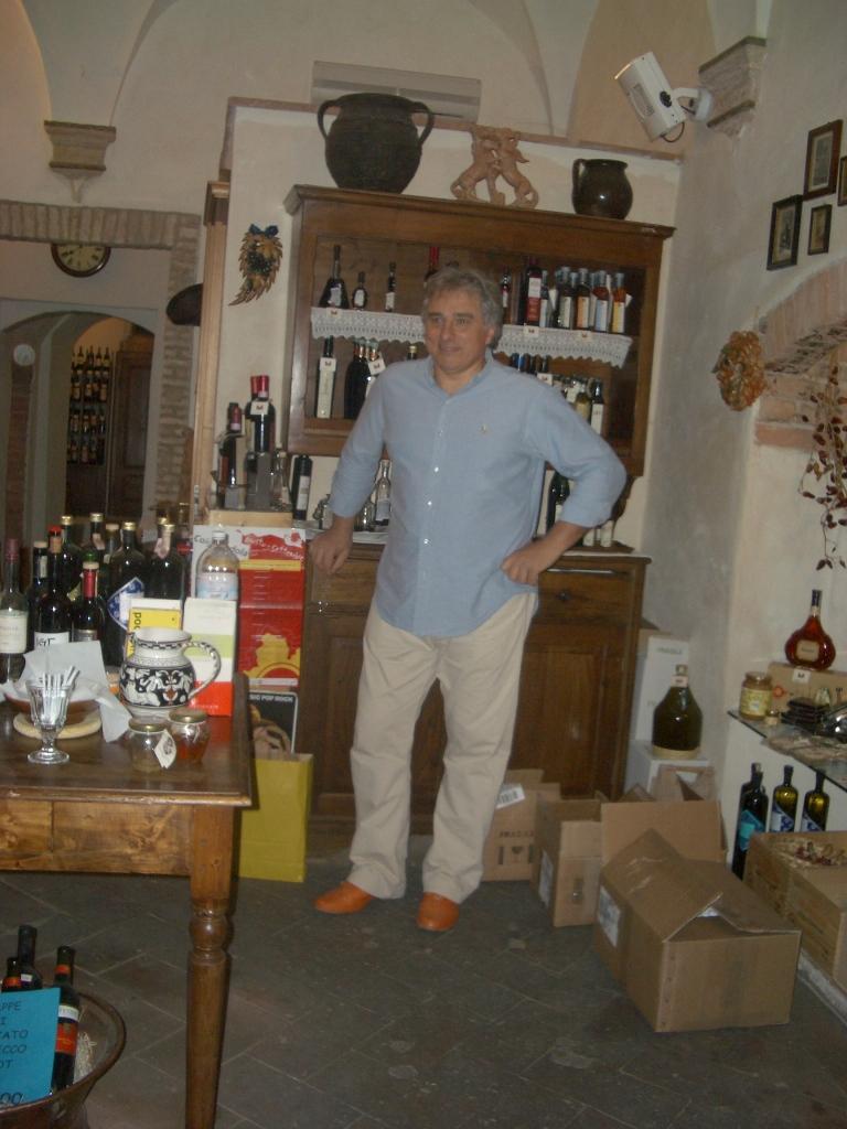 Peitro, proprietor of an enoteca in Tuscany