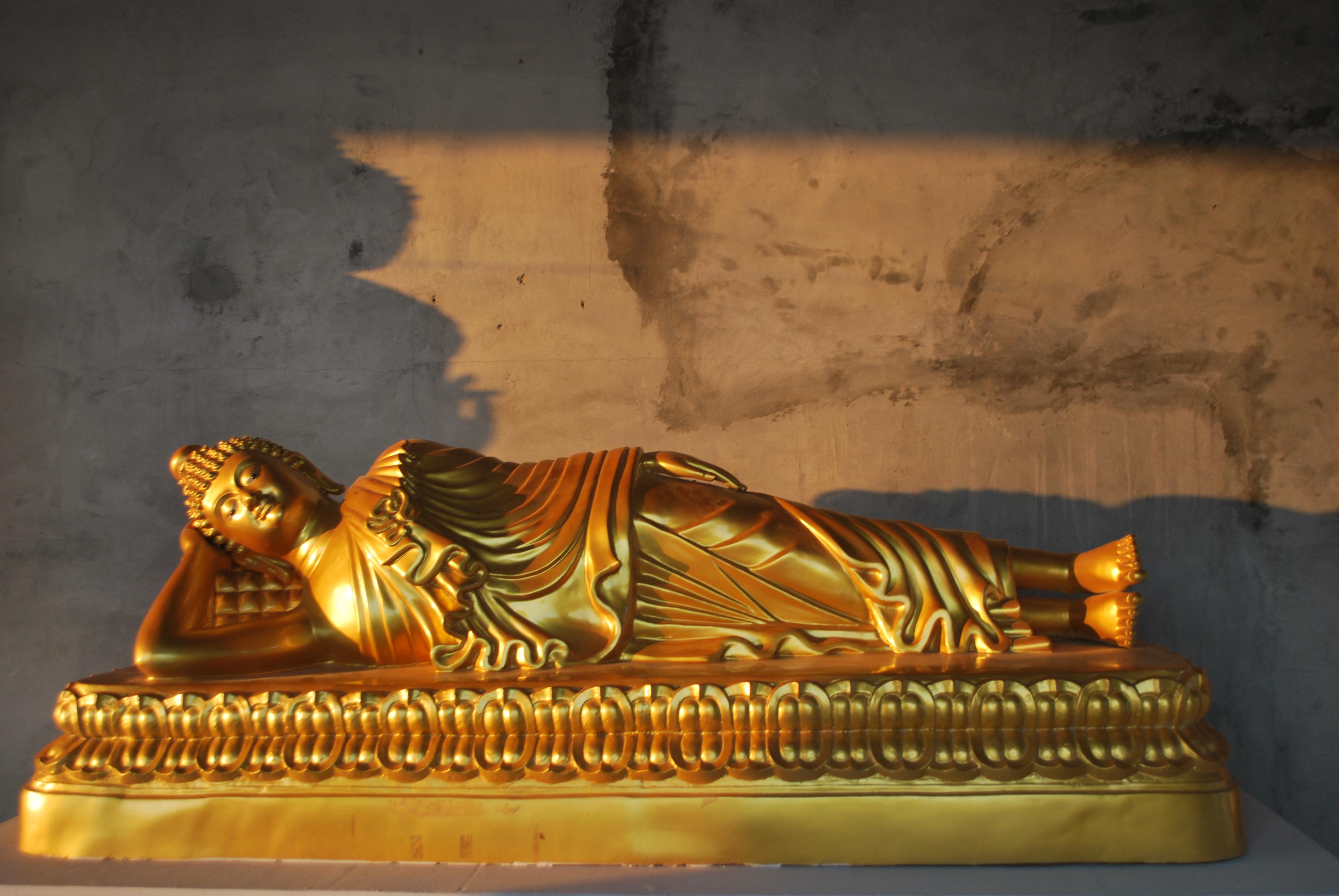 Reclining Buddha, Phuket Thailand